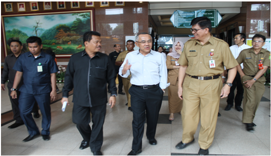 Plt. Gubernur Riau Meninjau Kesiapan Sarana dan Prasarana Gedung Operasi Bedah Sentral