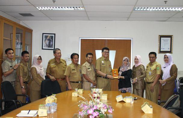Intsiawati Ayus, SH.MH, Lakukan Kunjungan Kerja ke RSUD Arifin Achmad Provinsi Riau