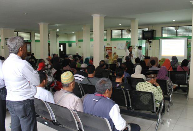 """Tim PKRS RSUD Arifin Achmad Melakukan Kegiatan Penyuluhan Kesehatan Dengan Tema """" Pola Hidup Sehat Mencegah Diabetes"""""""
