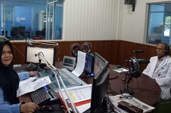 PKRS RSUD AA, dr. Azizman Saad Kupas Asma di RRI Pekanbaru