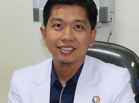dr. Isfyanto, Sp.M