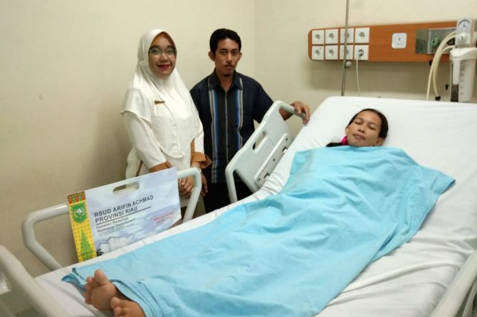 """Terima Kasih RSUD Arifin Achmad, Teruslah Beri Pelayanan Terbaik untuk Warga Biasa seperti Kami Ini"""