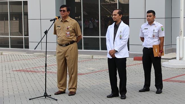 Sindir Tingkat Kehadiran Upacara Bendera, Direktur RSUD AA: Banyak Wajah Baru Stok Lama