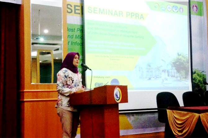 Dua Pemateri dari Singapura Isi Seminar PPRA RSUD Arifin Achmad