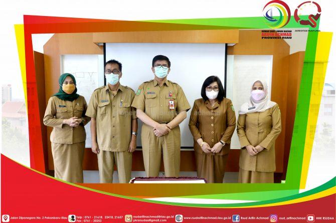 Serah Terima Jabatan Kepala Bidang Pelayanan Medik RSUD Arifin Achmad Provinsi Riau